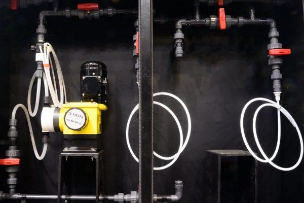 armoire 1 à 5 pompes pour cuve PEHD
