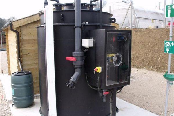 Cuve 10m3 avec armoire de pompe