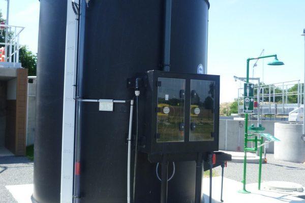 détail armoire de pompe sur cuve 20M3